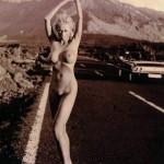 Jenny Elvers nackt auf dem Highway